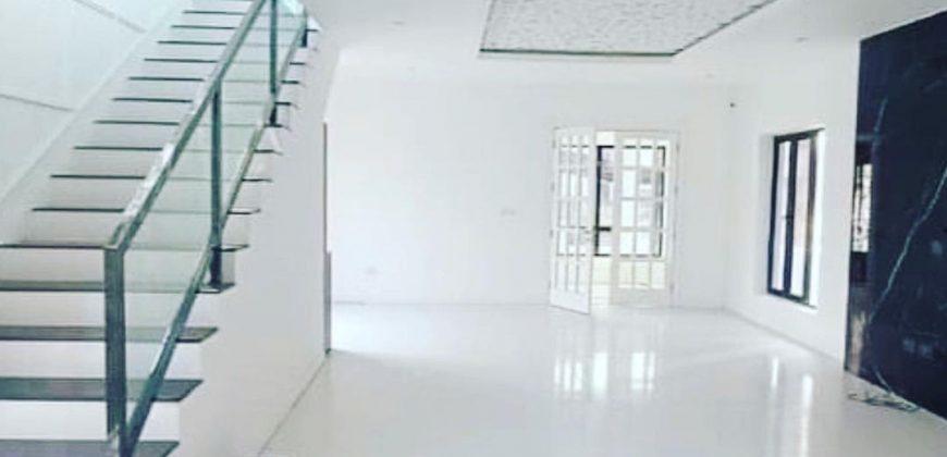 Luxury 5 bedroom fully detached Duplex with 1room BQ